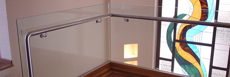 STAINLESS STEEL RAIL WITH GLASS